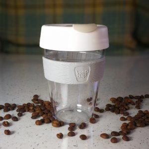 reuse or resuable coffee cup